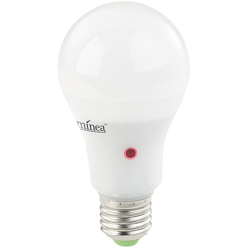 sensorlampe led lampe mit d mmerungssensor e27 12 w lm warmwei 4022107276351 ebay. Black Bedroom Furniture Sets. Home Design Ideas